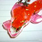プラ板ピアス金魚