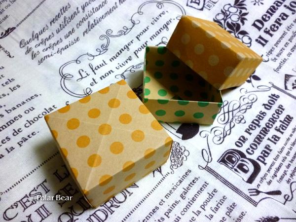 折り紙で箱を作りました