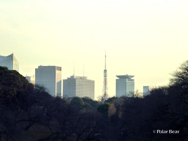 九段下から見えた東京タワー