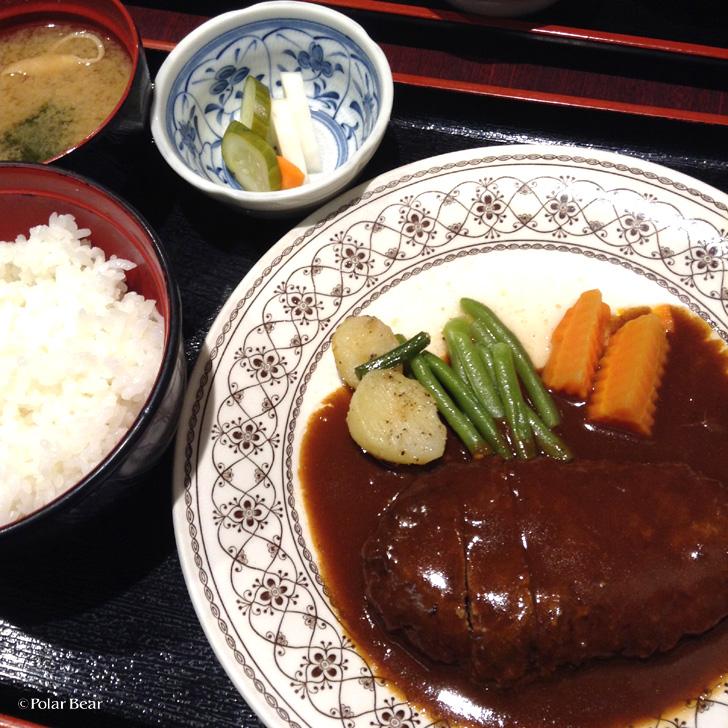 新宿 カポネ ハンバーグ定食 ポーラベア