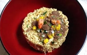 お椀で食べるカップヌードル ポーラベア