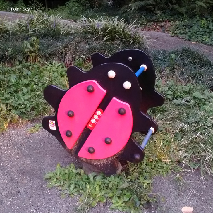 赤坂 六本木 道源寺坂 ポーラベア 児童公園 遊具 テントウムシ