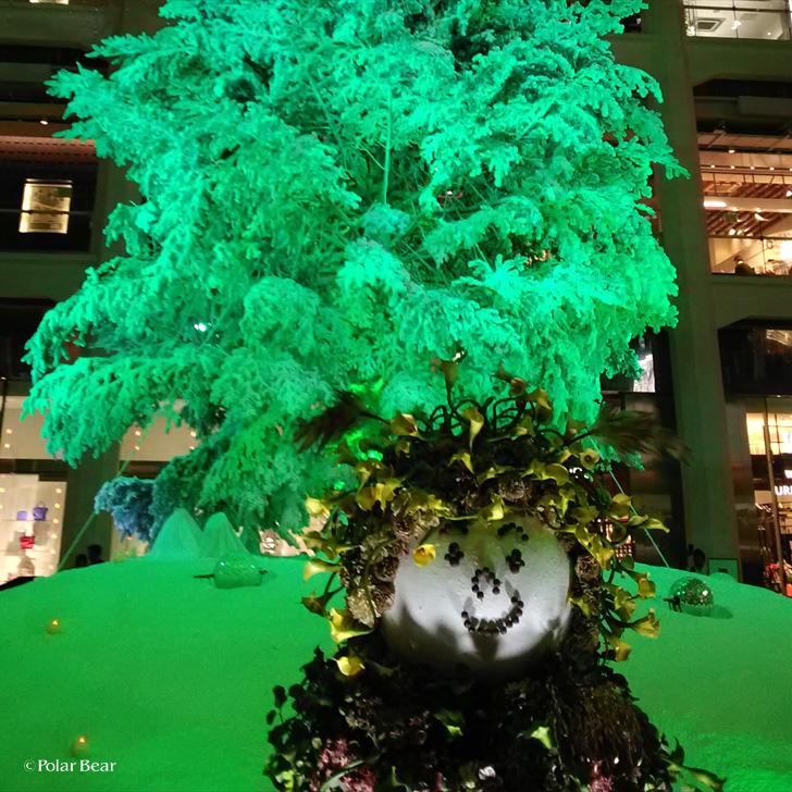 東京駅 KITTE クリスマスツリー ポーラベア