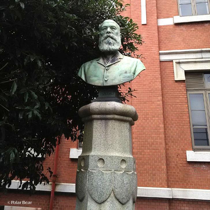 東京大学 東大 本郷 エドワード・ダイバース先生胸像 ポーラベア