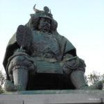甲府駅 武田信玄公像 銅像 ポーラベア